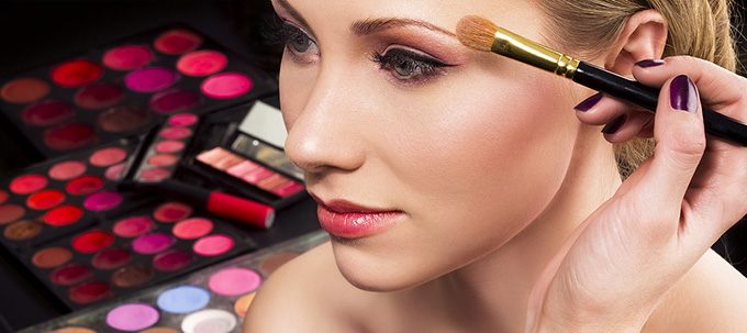 Step by Step Guide to Apply Makeup in a Perfect Way