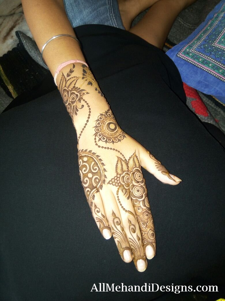 Mehndi Artist in Surat Mehandi Designers in Surat No.1 Best Mehndi Artist & Designer in Surat, Gujarat | Call Now Hire Our Best Mehendi Artist & Designer in Surat, Gujarat for Wedding as Well as Other Special Events at Most Affordable Price. Call Now for an Appointment.