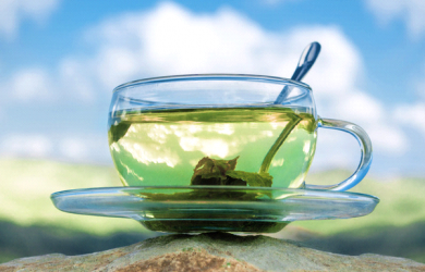 15 Amazing Health Benefits Of Green Tea [ Detailed Guide ] Here is a Detailed Guide on 5 Amazing Health Benefits Of Green Tea. We all know drinking green tea is one of the most effective ways to reduce weight.