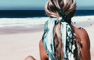 7 Easy Hairstyles for the Beach This Summer