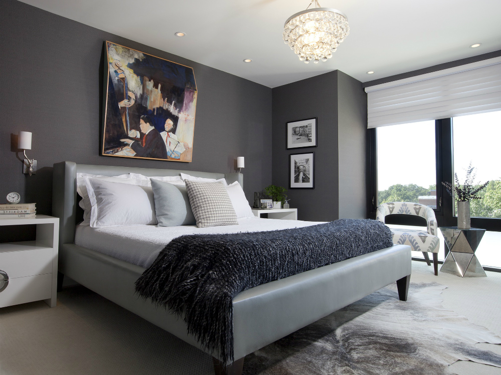 How to Decorate a Small Bedroom Easily to Make It Look Bigger?