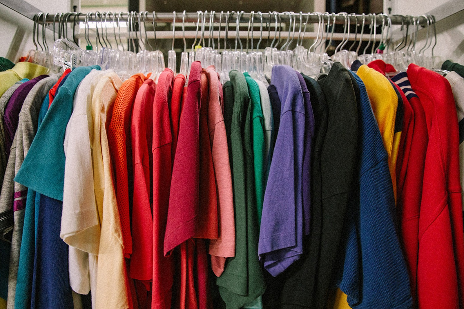 Are You Going to Buy Used Clothes? Look out for This!